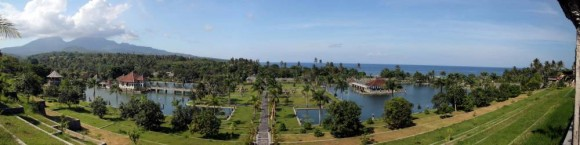 Panoramique du palais aquatique d'Ujung